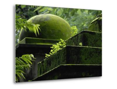 South Park Street Cemetery, Famous Cemetery During British East India-Steve Raymer-Metal Print