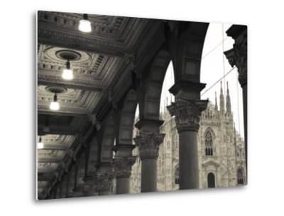 Lombardy, Milan, Piazza Del Duomo, Duomo, Cathedral, Dawn, Italy-Walter Bibikow-Metal Print