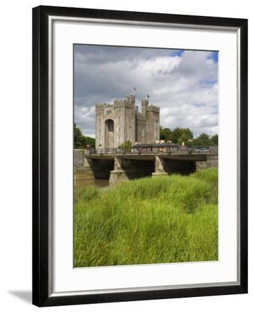 Bunratty Castle, County Clare, Munster, Republic of Ireland, Europe-Richard Cummins-Framed Photographic Print