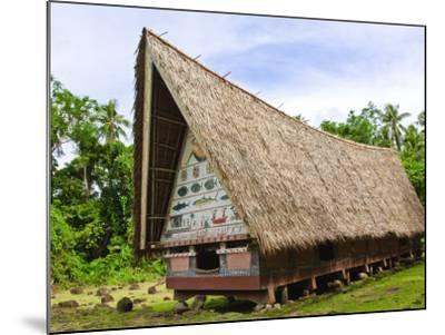 Men's Meeting House at Belau National Museum Koror, Republic of Palau, Pacific-Nico Tondini-Mounted Photographic Print