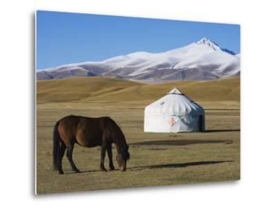 Nomads Horse and Yurt, Bayanbulak, Xinjiang Province, China, Asia-Christian Kober-Metal Print