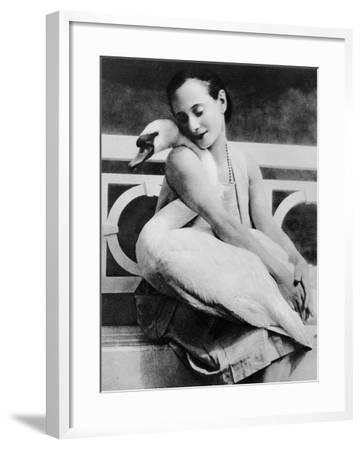 Anna Pavlova with Her Pet Swan Jack, C.1905--Framed Giclee Print