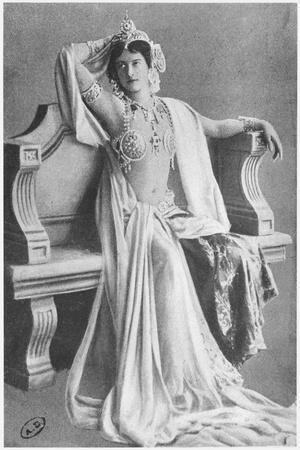 Mata Hari, 1910--Stretched Canvas Print
