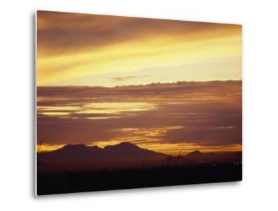 Sun Sets Behind Mountains in Arizona-xPacifica-Metal Print