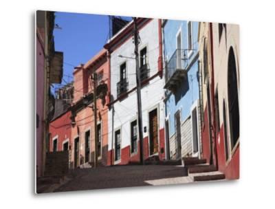 Narrow Street, Guanajuato, Guanajuato State, Mexico, North America-Wendy Connett-Metal Print