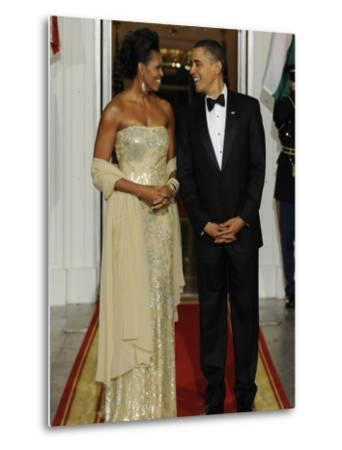 President Obama and First Lady before Welcoming India's Prime Minister and His Wife to State Dinner--Metal Print