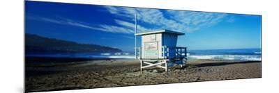 Lifeguard Hut on the Beach, Torrance Beach, Torrance, Los Angeles County, California, USA--Mounted Photographic Print