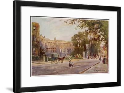 Cambridge: Addenbrooke's Hospital in Trumpington Street--Framed Giclee Print