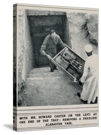 Howard Carter Removing Treasures from the Tomb of Tutankhamun--Stretched Canvas Print