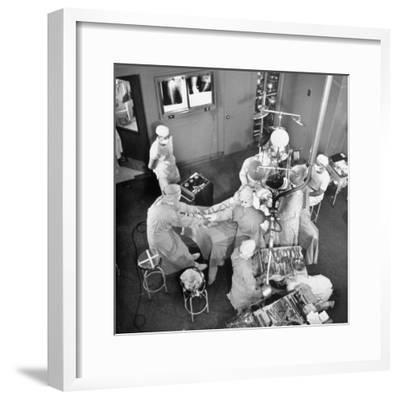 An Artifical Hip Joint Surgery-Al Fenn-Framed Premium Photographic Print