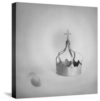 couronne--Stretched Canvas Print