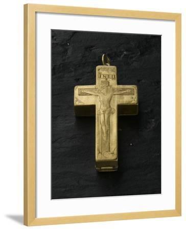 Cadran solaire équinoxial en forme de croix reliquaire-Adrien Zeelst-Framed Giclee Print