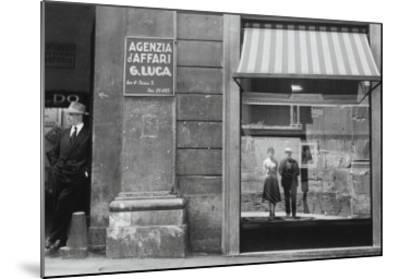 Brassaï et Gilberte à Genova--Mounted Giclee Print
