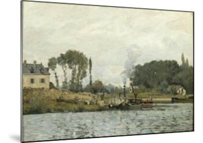 Bateaux à l'écluse de Bougival (Yvelines)-Alfred Sisley-Mounted Giclee Print