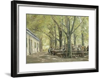 Brasserie de campagne à Brannenbourg (Bavière)-Max Liebermann-Framed Giclee Print