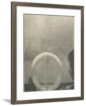 Camera Work, juillet 1908 : Drops of rain-Clarence White-Framed Giclee Print