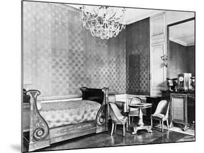 Vue intérieure du Grand Trianon : Chambre de l'Empereur--Mounted Giclee Print