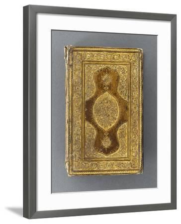 Manuscrit, reliure à décor de mandorle--Framed Giclee Print