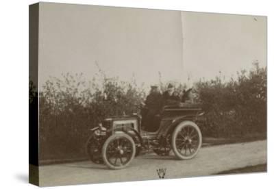 Album photographique : René de Knyff sur sa Panhard-et-Levassor en 1900--Stretched Canvas Print