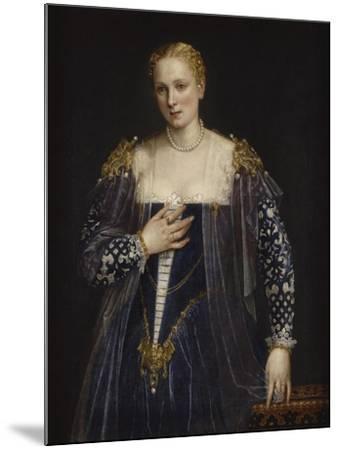 Portrait de femme dit La Belle Nani. Avec cadre.-Paolo Veronese-Mounted Giclee Print