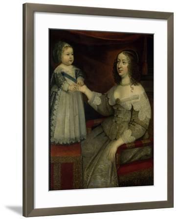 La reine Anne d'Autriche avec Louis XIV enfant alors Dauphin (avant 1643)--Framed Giclee Print