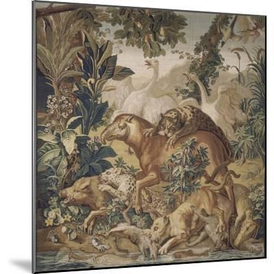 Tapisserie de la Suite des Indes : le Combat d'animaux.--Mounted Giclee Print