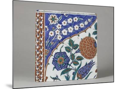 Carreau à décor floral polychrome--Mounted Giclee Print