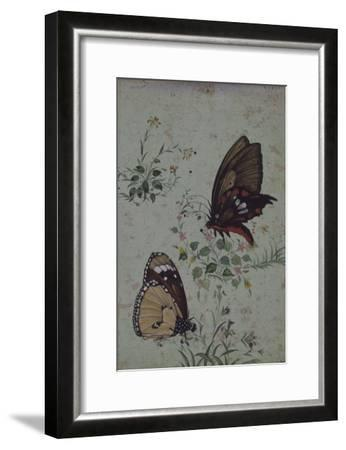 Deux papillons parmi les fleurs--Framed Giclee Print
