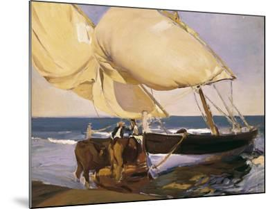 Launching the Boat-Joaqu?n Sorolla y Bastida-Mounted Art Print