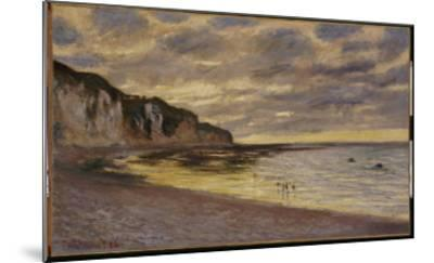 Pointe De Lailly, Maree Basse, 1882-Claude Monet-Mounted Giclee Print