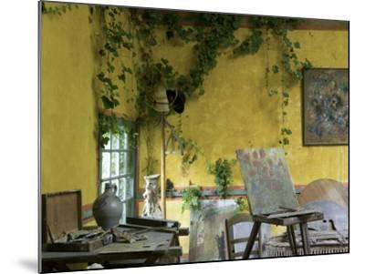 Artists' Atelier in the Gardens of the Ancien Hotel Baudy-Barbara Van Zanten-Mounted Photographic Print