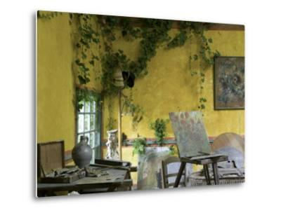 Artists' Atelier in the Gardens of the Ancien Hotel Baudy-Barbara Van Zanten-Metal Print