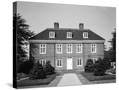 Pennsbury Manor-H^ Armstrong Roberts-Stretched Canvas Print