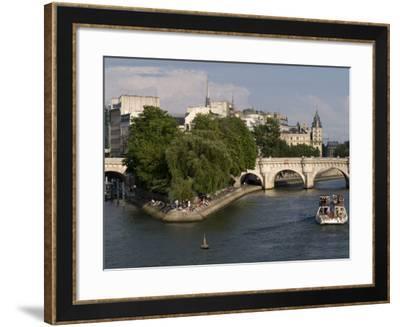Ile De La Cite, Paris, France-Sergio Pitamitz-Framed Photographic Print