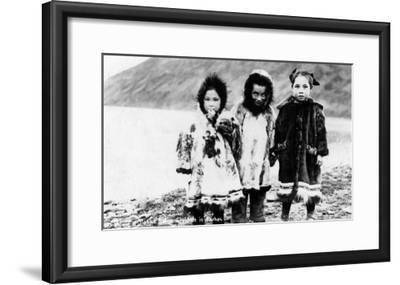 Alaska - Native Children in Parkas-Lantern Press-Framed Art Print