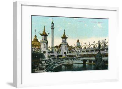 Coney Island, New York - Luna Park Scene-Lantern Press-Framed Art Print