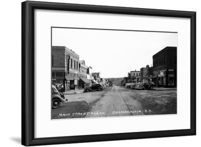 Chamberlain, South Dakota - Northern View up Main Street-Lantern Press-Framed Art Print
