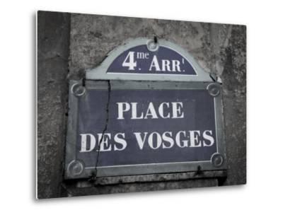 Place Des Vosges, Marais District, Paris, France-Jon Arnold-Metal Print