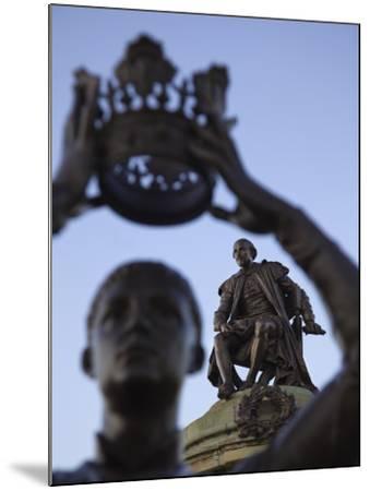 England, Warwickshire, Stratford Upon Avon, Shakespeare Statue-Steve Vidler-Mounted Photographic Print