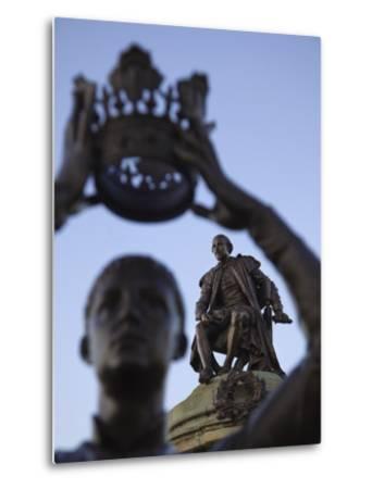 England, Warwickshire, Stratford Upon Avon, Shakespeare Statue-Steve Vidler-Metal Print