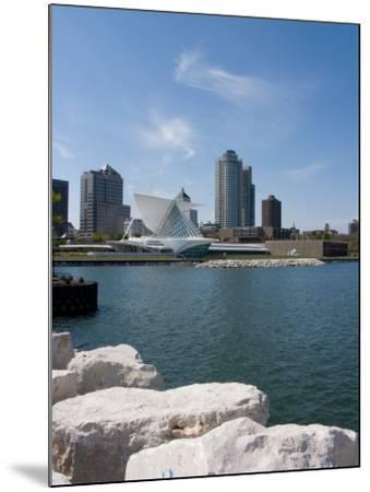 Museum at the Waterfront, Milwaukee Art Museum, Lake Michigan, Milwaukee, Wisconsin, USA--Mounted Photographic Print