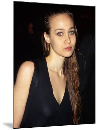 Singer Fiona Apple--Mounted Photographic Print