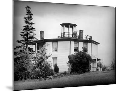 Exterior View of Octagonal House in the Hudson River Valley--Mounted Photographic Print