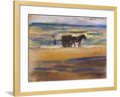 Muschelsucher Am Strand-Max Liebermann-Framed Giclee Print