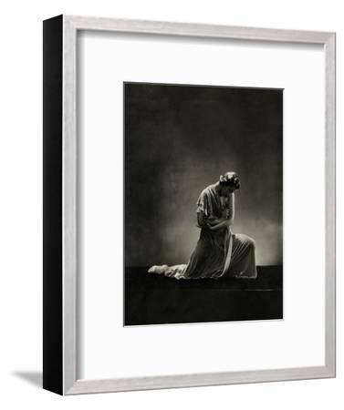 Vanity Fair - November 1931-George Hoyningen-Huen?-Framed Premium Photographic Print