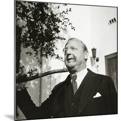 Vanity Fair - October 1934-George Hoyningen-Huen?-Mounted Premium Photographic Print