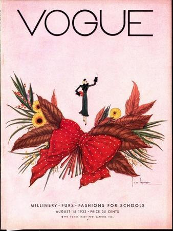Vogue Cover - August 1932-Georges Lepape-Stretched Canvas Print