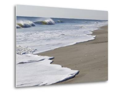 Spraying Surf Rolls Toward the Beach-Mauricio Handler-Metal Print