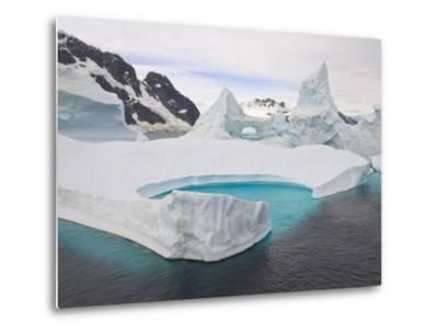 Stranded Icebergs in Shallow Bay Near Boothe Island-John Eastcott & Yva Momatiuk-Metal Print