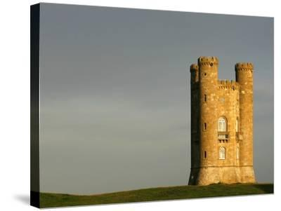 Broadway Tower standing prominently in the Cotswolds-Glyn Thomas-Stretched Canvas Print